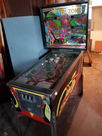 Williams Tri Zone pinball machine, key