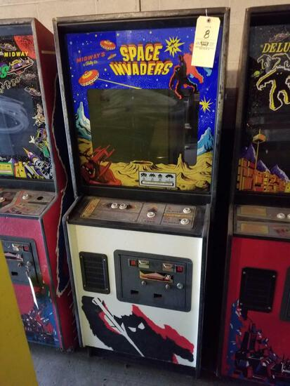Midway Space Invaders arcade machine, no key