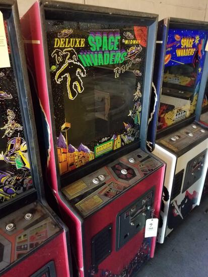 Midway Deluxe Space Invaders arcade machine, key