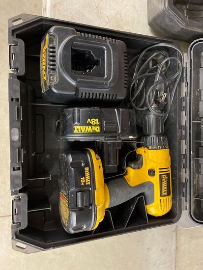 DeWalt 18v cordless drill 2 batteries