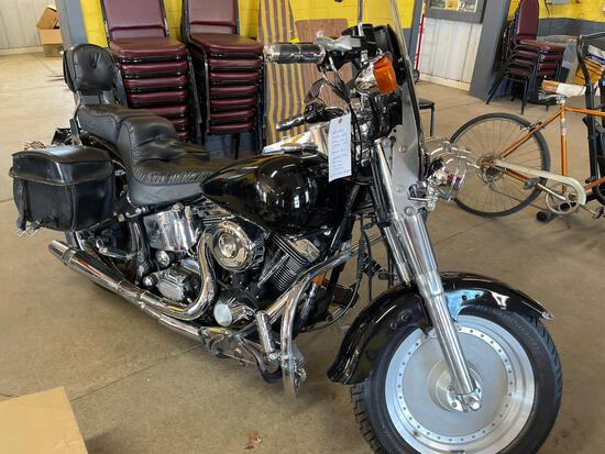 1999 Harley Davidson softail custom. Lots of upgrades. Runs. Odometer discrepancy, motorcycle shows
