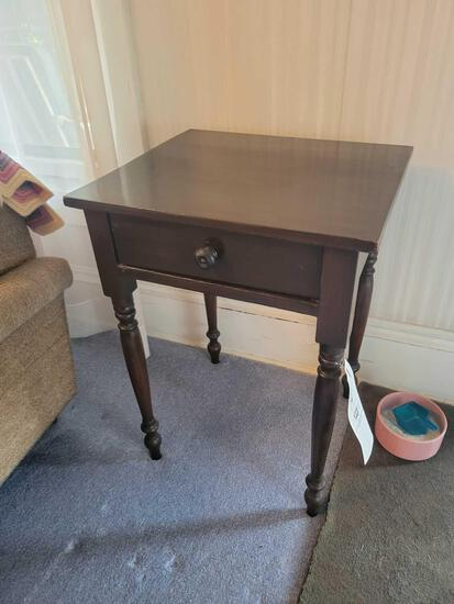 Small one drawer stand