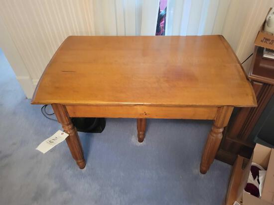 Oak harvest table with center, leg, no leaves