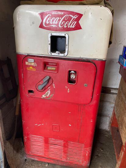 Coca Cola machine -
