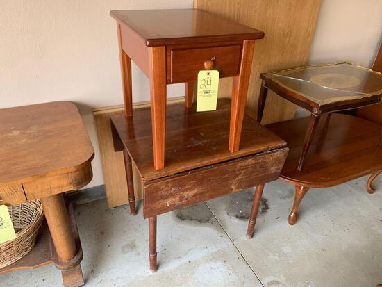 Drop leaf table - end table