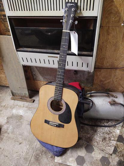 Esteban Acoustic Guitar w/ soft case