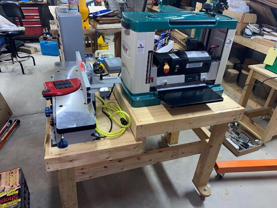 Grizzly G0689 planter and delta shop master jointer