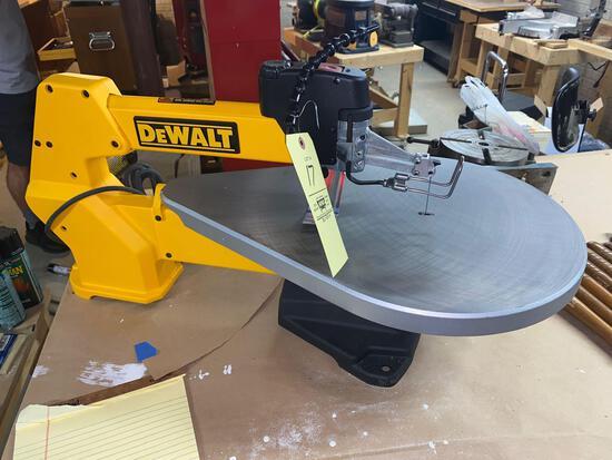 Dewalt DW788 20inch scroll saw