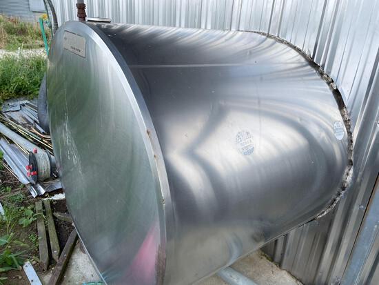800 gal Dari-cool bulk tank w/washer and compressor