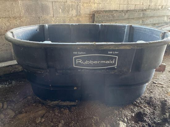 New Rubbermaid 150 gal water tub