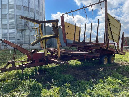 New Holland mod 1037 stackliner stack wagon