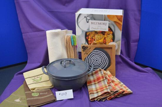 Biltmore Dutch Oven, 4 placemats, 6 cloth napkins, 3 towels and set of bamboo utensils