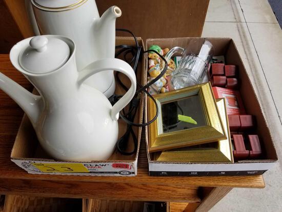 Teapots, knick-knacks