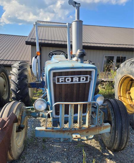 Ford 4600 Diesel Tractor with Remotes