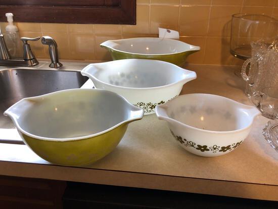 4pc Pyrex Mixing Bowl Set