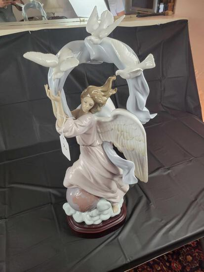 Lladro No. 696 Approx. 24.5in Tall