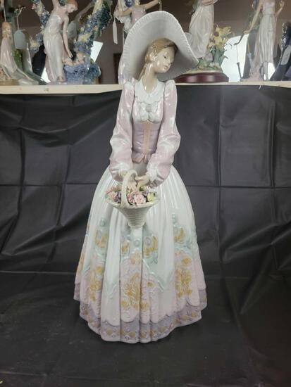 Lladro Spring Courtship no. 1120 Approx. 25.6in Tall