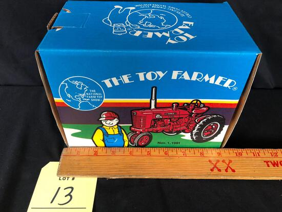 Ertl toy farmer official 1991 national show tractor super M ? TA diesel 1/16 scale