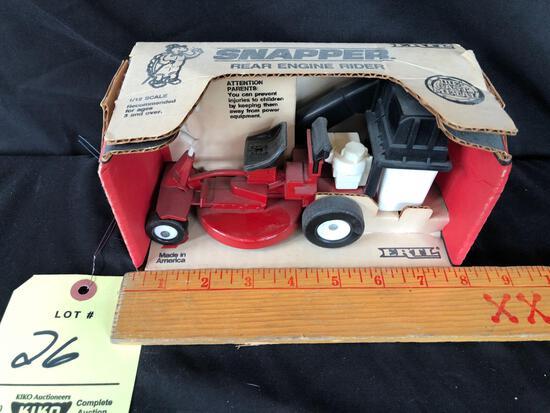 Ertl snapper rear engine rider 1/12 scale