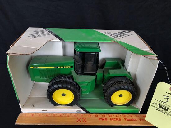 John Deere 8560 4x4 tractor 1/16 scale