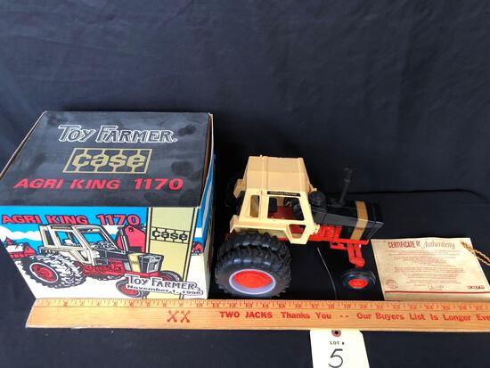 Ertl toy farmer 1996 national farm toy show case agri king 1170 collectors edition 1/16 scale