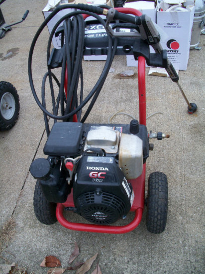 Excell 2600 PSI Power Washer with Honda GC160 Engine. (Has Hole in the hose)