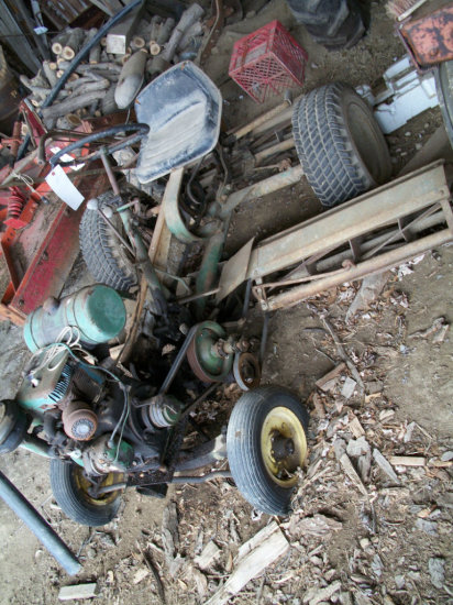 Old reel mower with Wisconsin engine (mod. AENL)