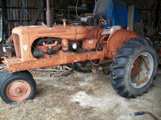 Allis-Chalmers WD-45 Tractor with narrow front and 14.9-28 rears