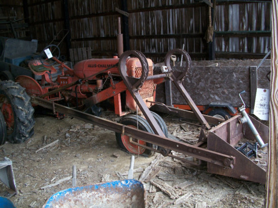 Allis-Chalmers CA w/ loader with 11.2-24 rears