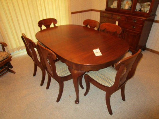 Henkel Harris Dinning Table and 6 Chairs
