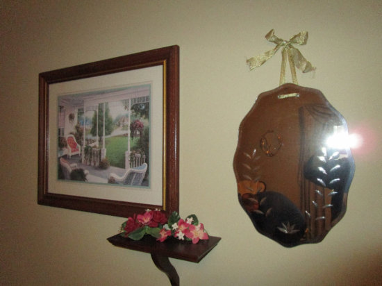 Decorative wall hangings and plate