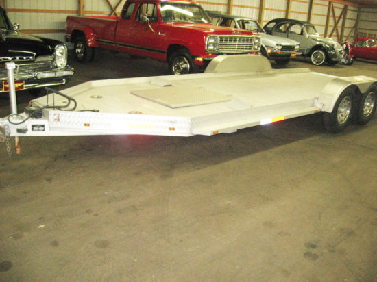 2004 Deluxe 22' Tommy Trailer