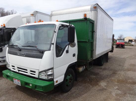 #70 2006 Isuzu cargo truck