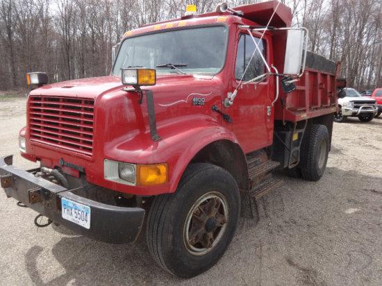 #108 1995 International dump truck