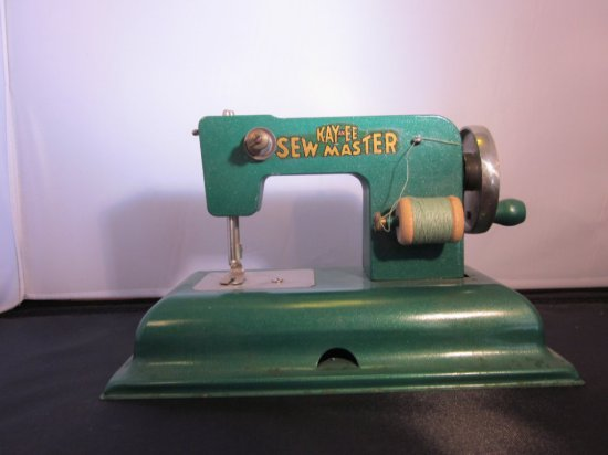 Green Kay-an-EE Sew Master Solid Wheel Berlin USA Zone