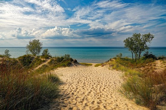 Showstopper on Lake Michigan's Coastline at Manistee! 2 Acres of Magnificent views!