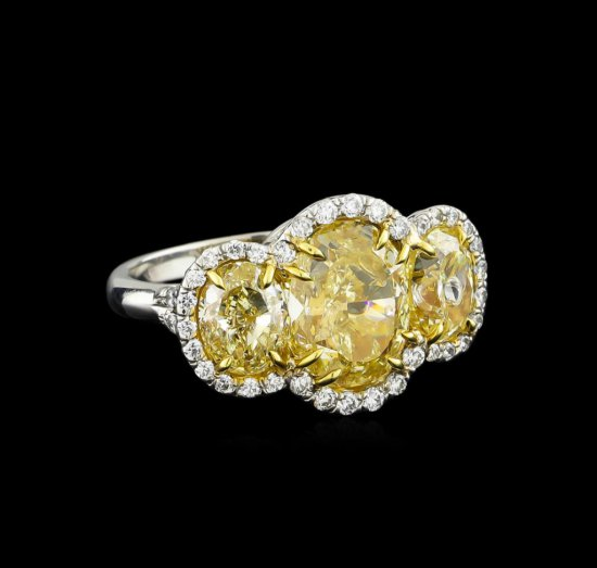 EGL USA Cert 8.66 ctw Fancy Yellow Diamond Ring - Platinum