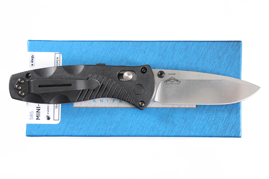 Benchmade Mini-Barrage folding knife