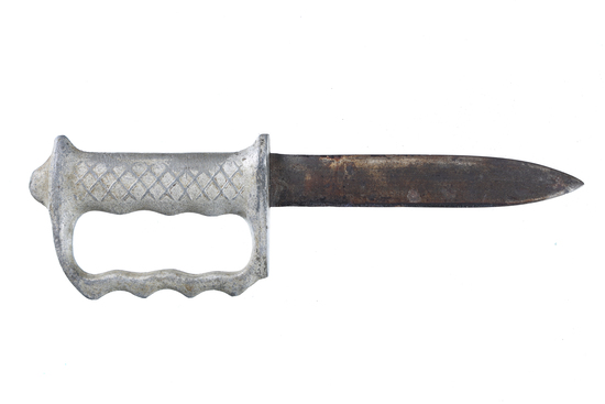 Vintage Australian knuckle knife
