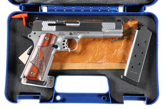 Smith & Wesson SW1911 Pistol .45 ACP