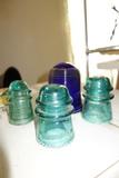 Vintage Glass Insulator Hemmingray-16 (2) Hemmingray-9 (1)