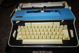 Vintage Remington 611 Sperry Rand Typewriter