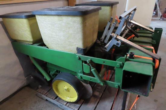 John Deere Sweet Corn Planter