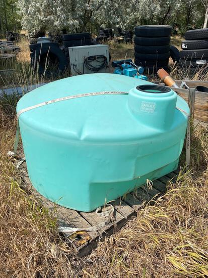 425 gallon water tank