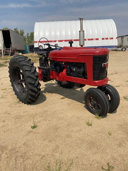 Farmall H tractor narrow front, New rubber