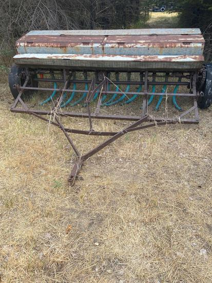 8 foot grain seeder with grass box manual lift