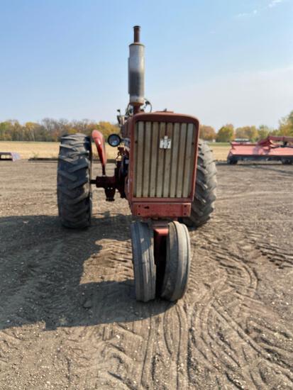 Farmall 706 tractor gas