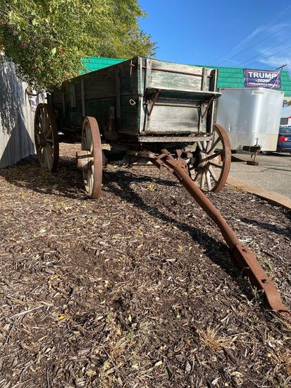 Hitch wagon