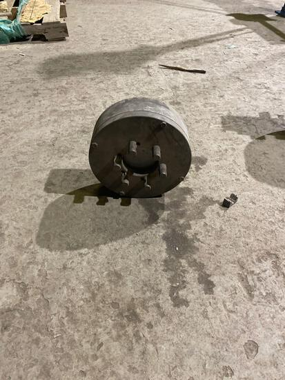 three and four jaw Chuck lot