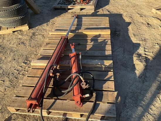 Two Hydraulic cylinder and valve